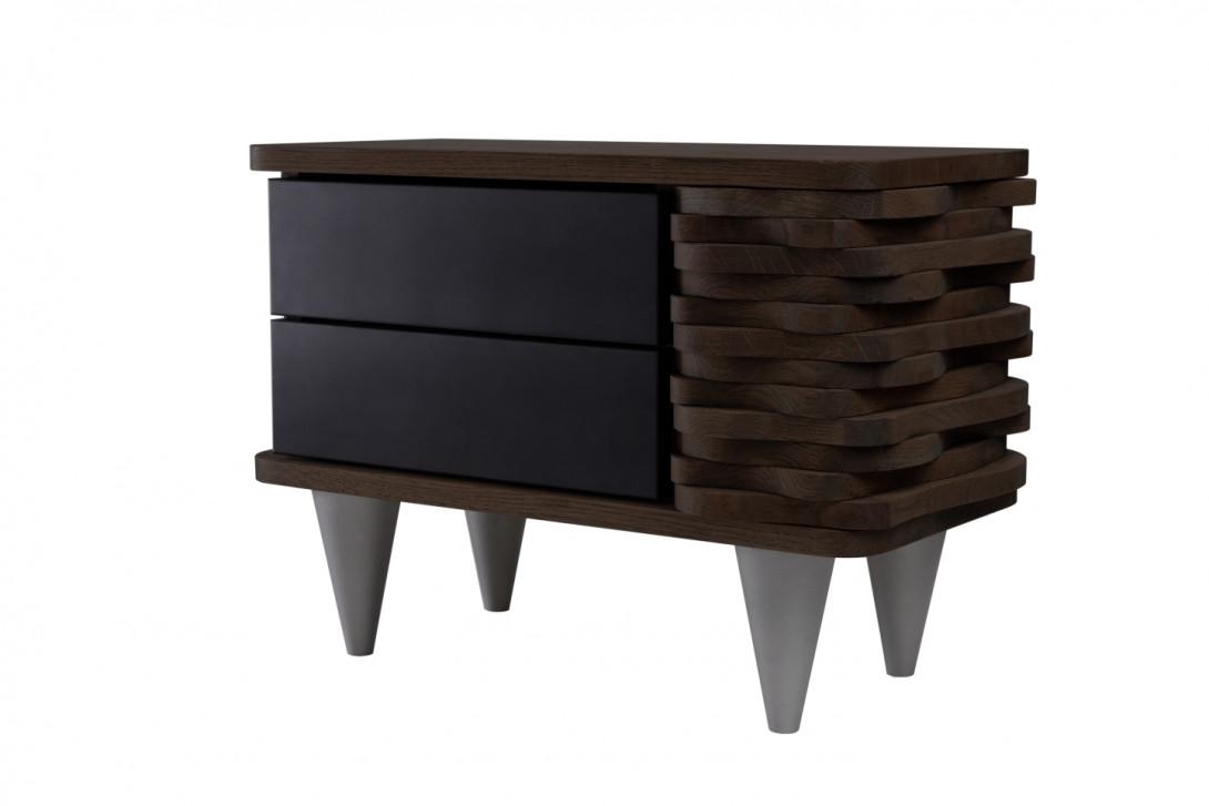 Stolik nocny drewniany ORGANIQUE ciemnobrązowy z dwoma czarnymi szufladami FUR0152