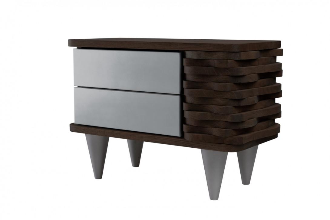 Stolik nocny drewnany ORGANIQUE ciemnobrązowy z dwoma srebrnymi szufladami FUR0151