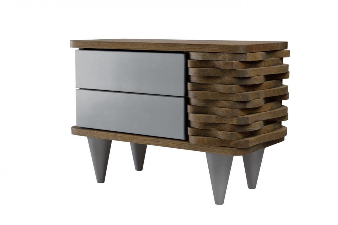 Stolik nocny drewniany ORGANIQUE brązowy z dwoma srebrnymi szufladami FUR0131