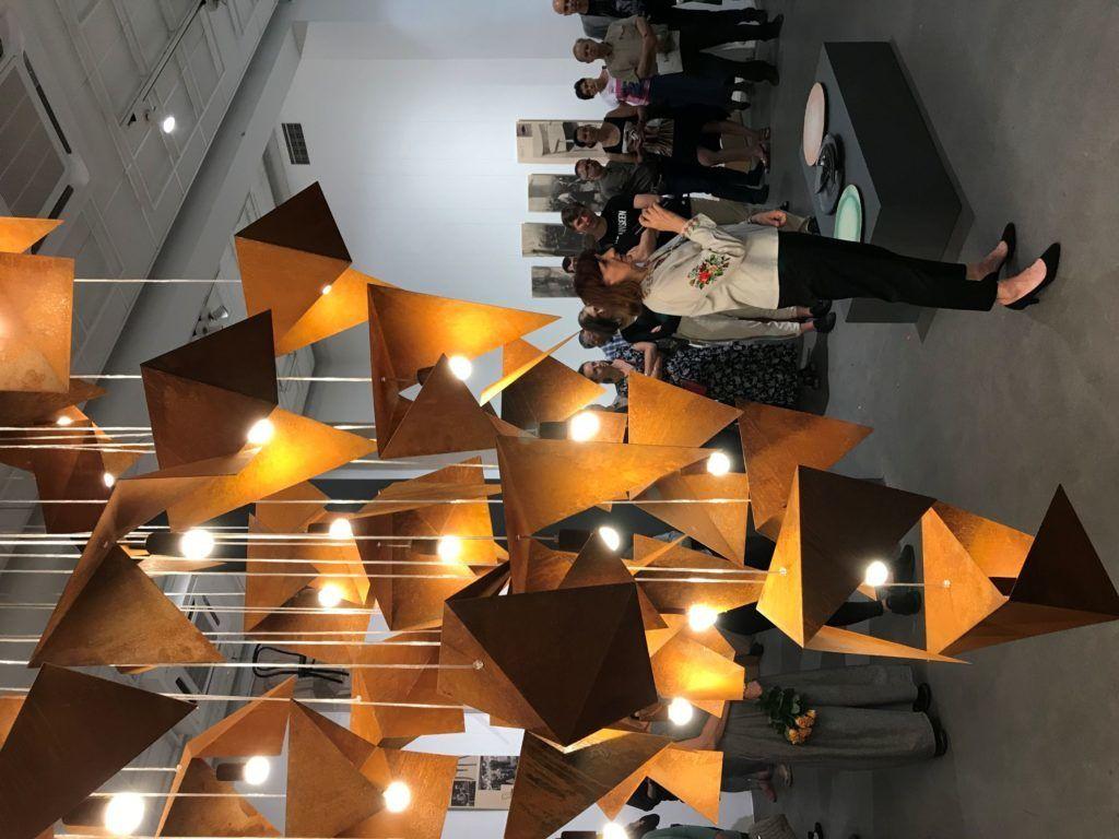 Gie El lampa wisząca RUST BIRD wystawa Korzenie Bielska Galeria BWA otwarcie wystawy kurator Lucyna Wylon