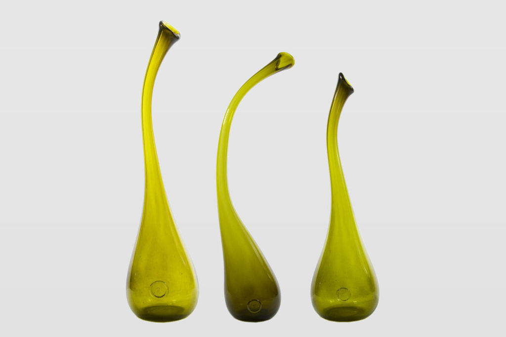 set of olive SWAN vases by Gie El