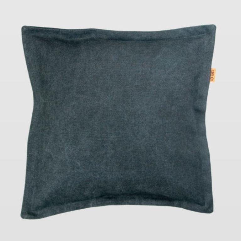 black cushion APL0110