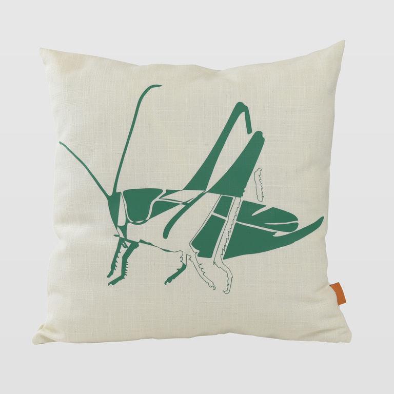Cushion with grasshopper APL0152