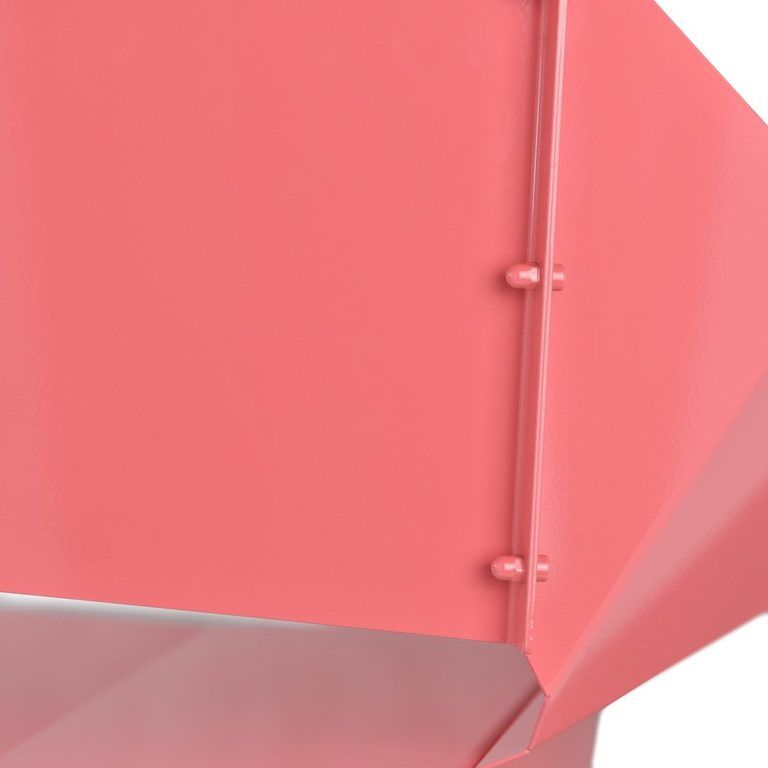 details on backrest in pink chair FST0315