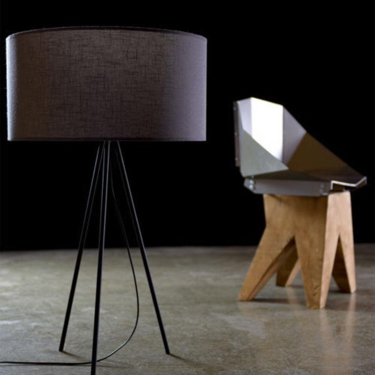lamp on a tripod LGH0510