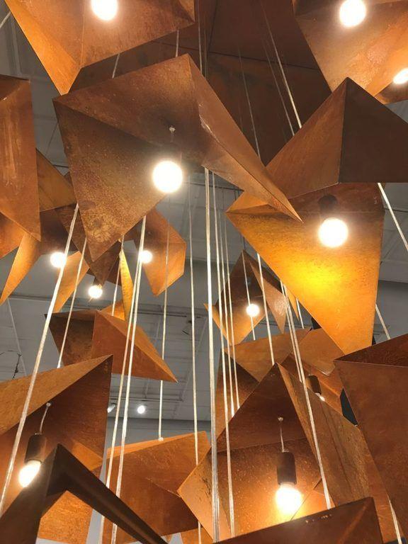 Gie El lampa wisząca RUST BIRD wystawa Korzenie Bielska Galeria BWA